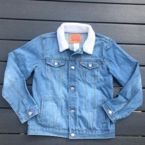Levi's Jean Jacket with white fur Collar
